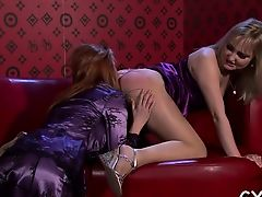 Sexy playgirl slips pants a side and gets sweet pussy toyed