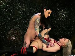 Alt tranny fucks blonde war prisoner