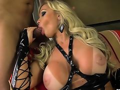 Hot transsexual hardcore anal with cumshot