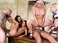Kinky prisoners pounded hard